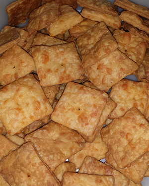 Homemade Cheese Crackers For Your Cheez-its and Goldfish Crackers Fix